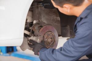 speedy apollo mechanic checking breaks